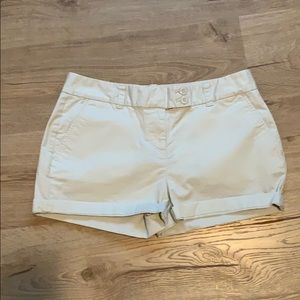 Vineyard Vines Size 4 Ladies Shorts